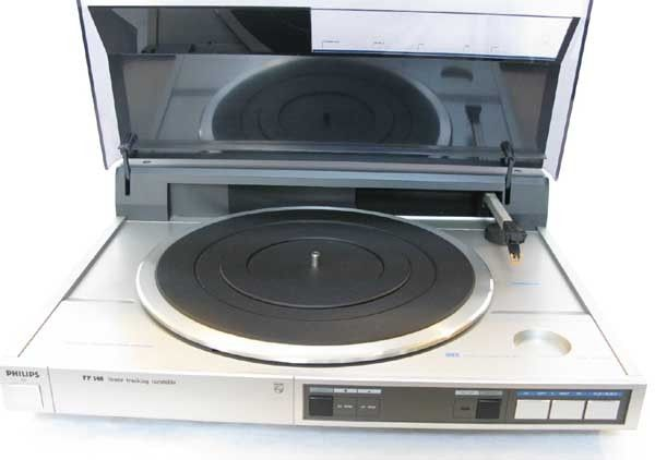 PHILIPS FP 146 TANGENTIAL PLATTENSPIELER LINEAR TRACKING TURNTABLE